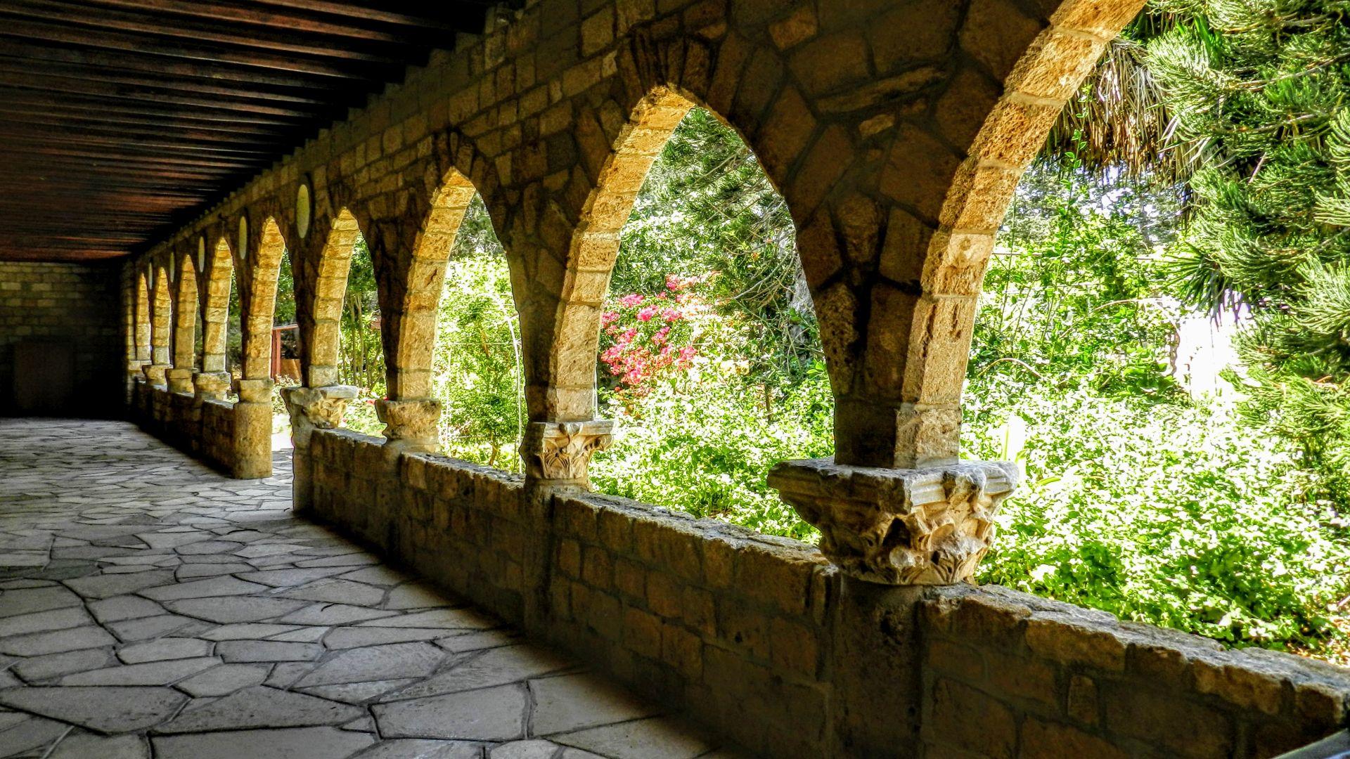 Cypr - Klasztor Agios Nikolaos ton Gaton