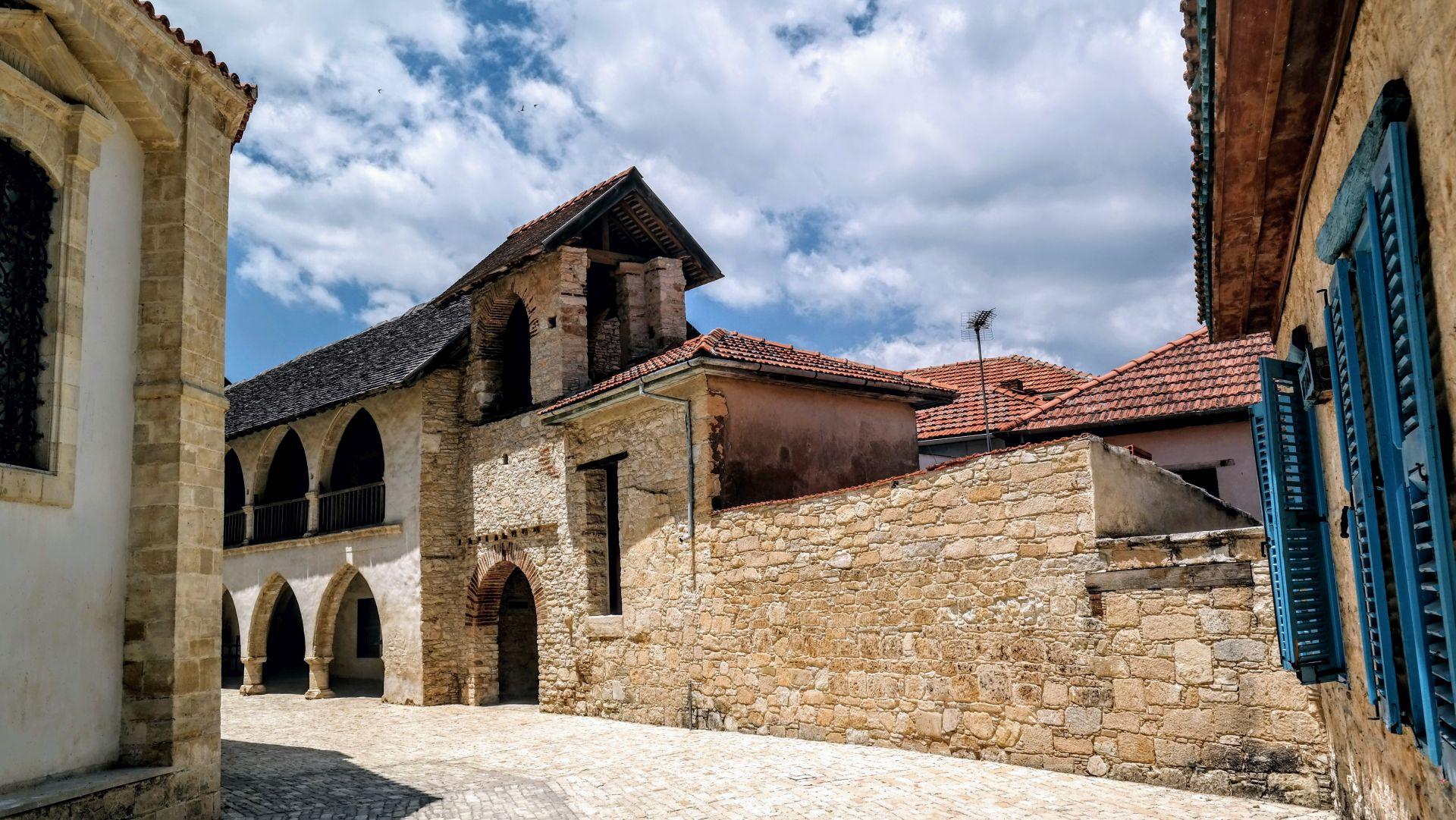Omodos i Klasztor Św. Krzyża